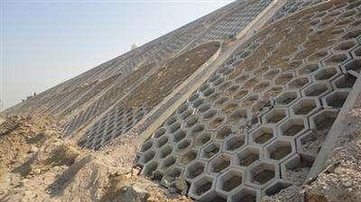 护坡钢模具成功施工现场